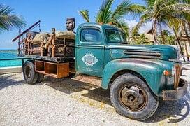 truck-1332564__180.jpg